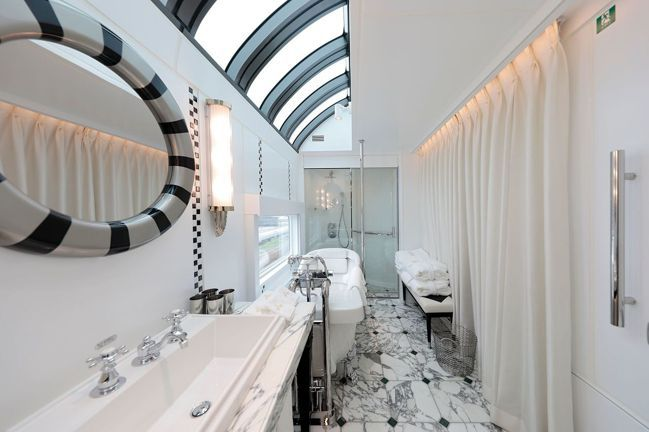 頂級套房是唯一擁有浴缸的房型。圖/可樂旅遊提供