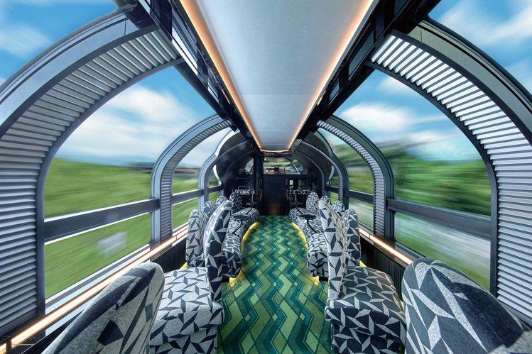 可以眺望戶外風光的展望車廂。圖/可樂旅遊提供