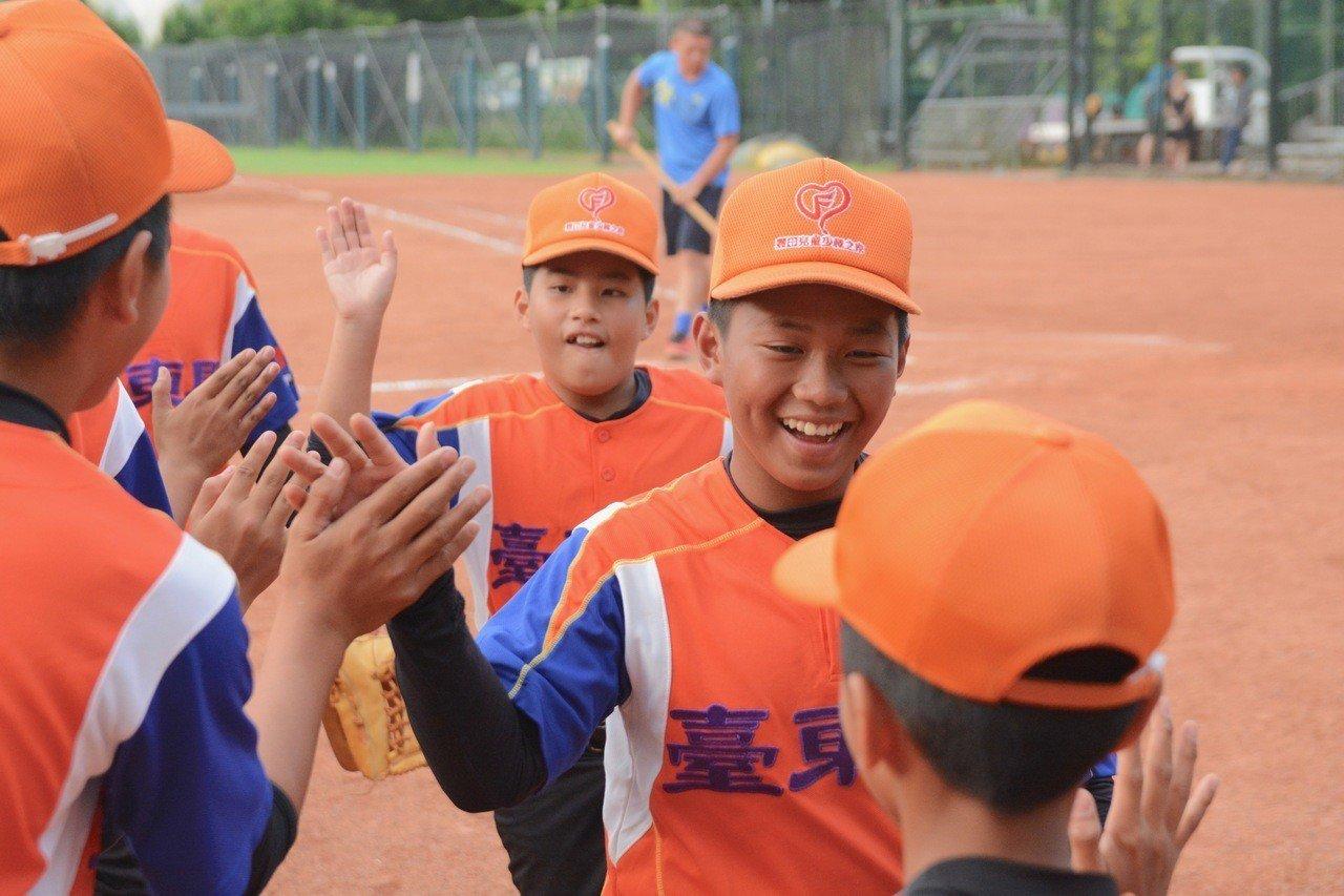 108年華南金控盃全國少棒錦標賽,台東縣以4:3逆轉新竹縣。記者蘇志畬/攝影