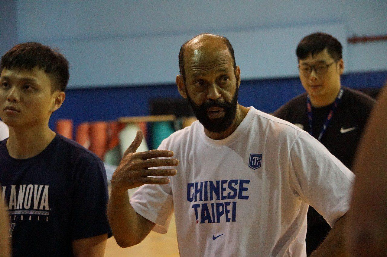 中華白外籍教練帕克。記者劉肇育/攝影
