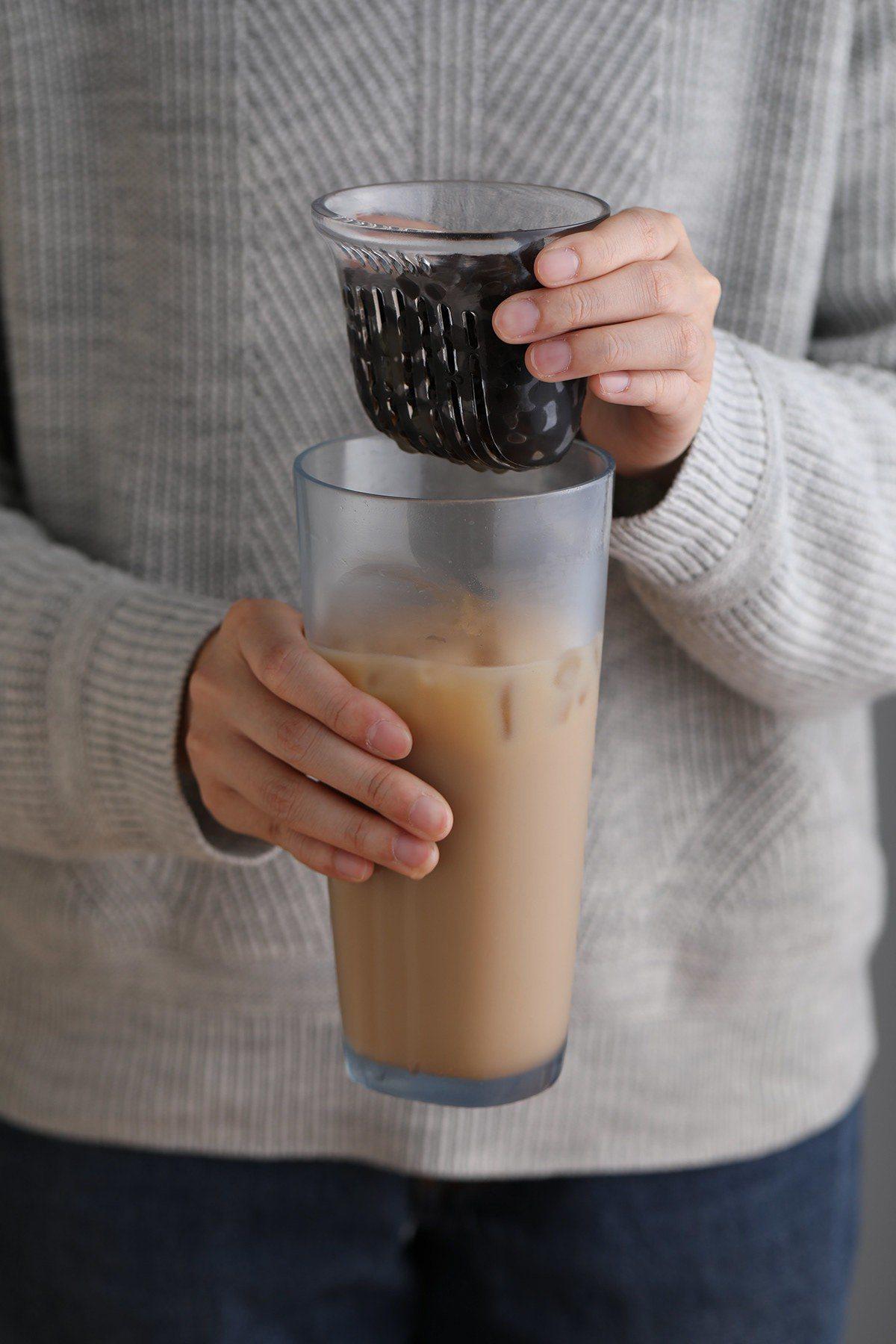不用吸管真的可以喝珍奶! 大學生設計隨行杯獲獎