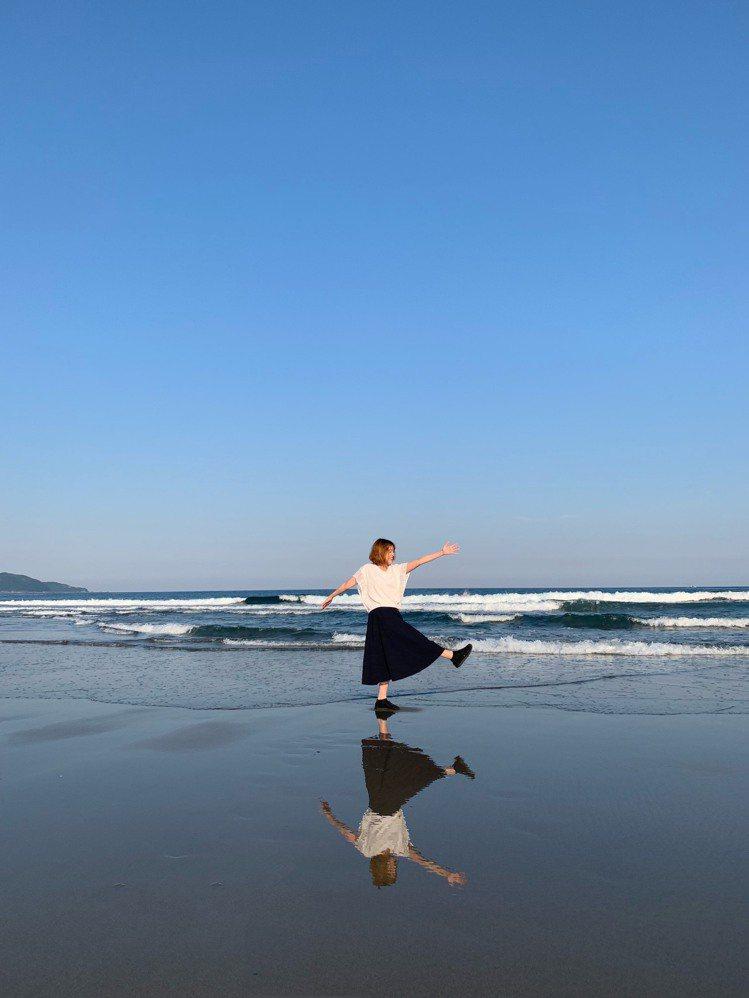 只要掌握好潮汐時間,黒潮町入野海岸也能拍出天空之鏡的驚喜效果。圖/日本高知縣提供