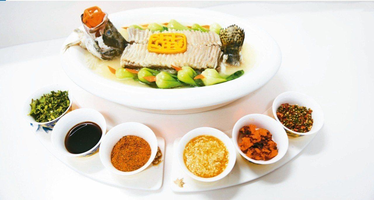 「天下第一鮮」羊方藏魚,把魚肉與羊肉鍋內燉煮,吃起來異常鮮美。 圖/主辦單位提供