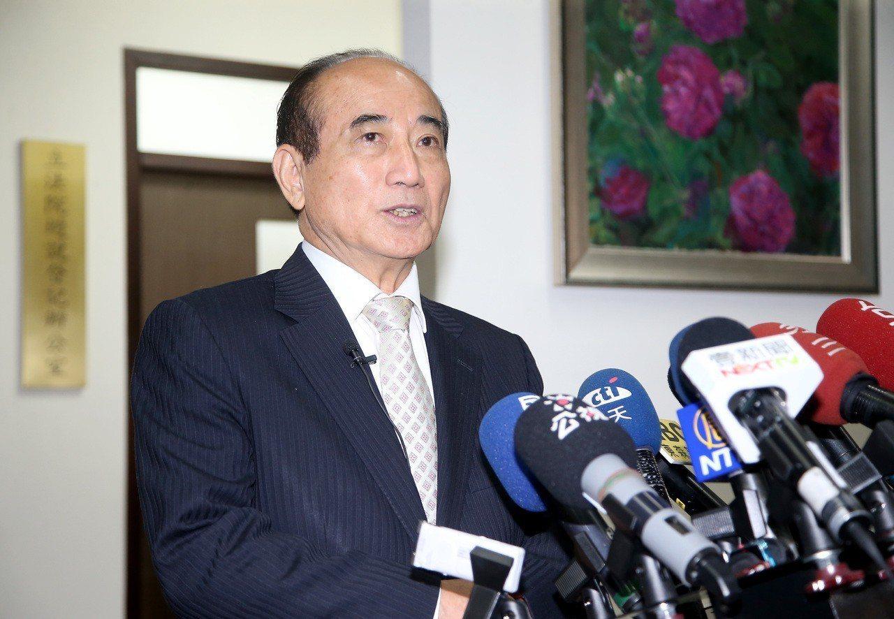 國民黨立委王金平(圖)昨天表示,要在全國裡把聲勢跟民調化為選票,「我想距離還差得...