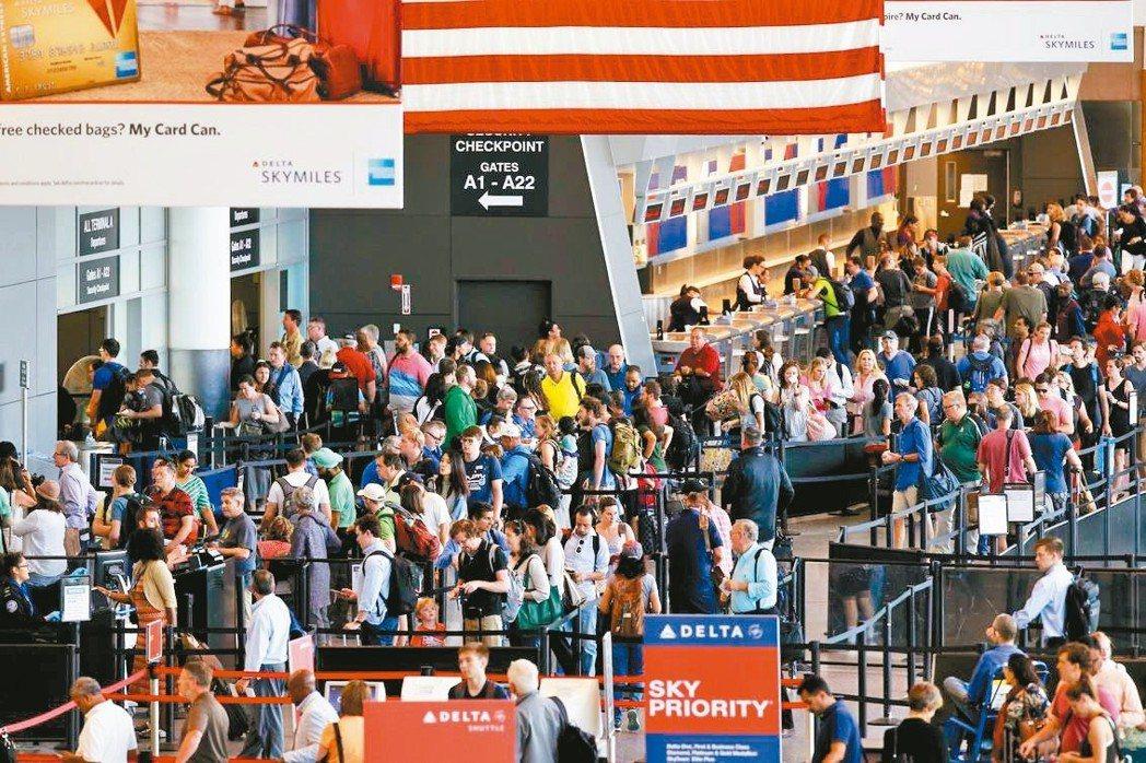 美國航空業今夏載客量可望創新高。 美聯社