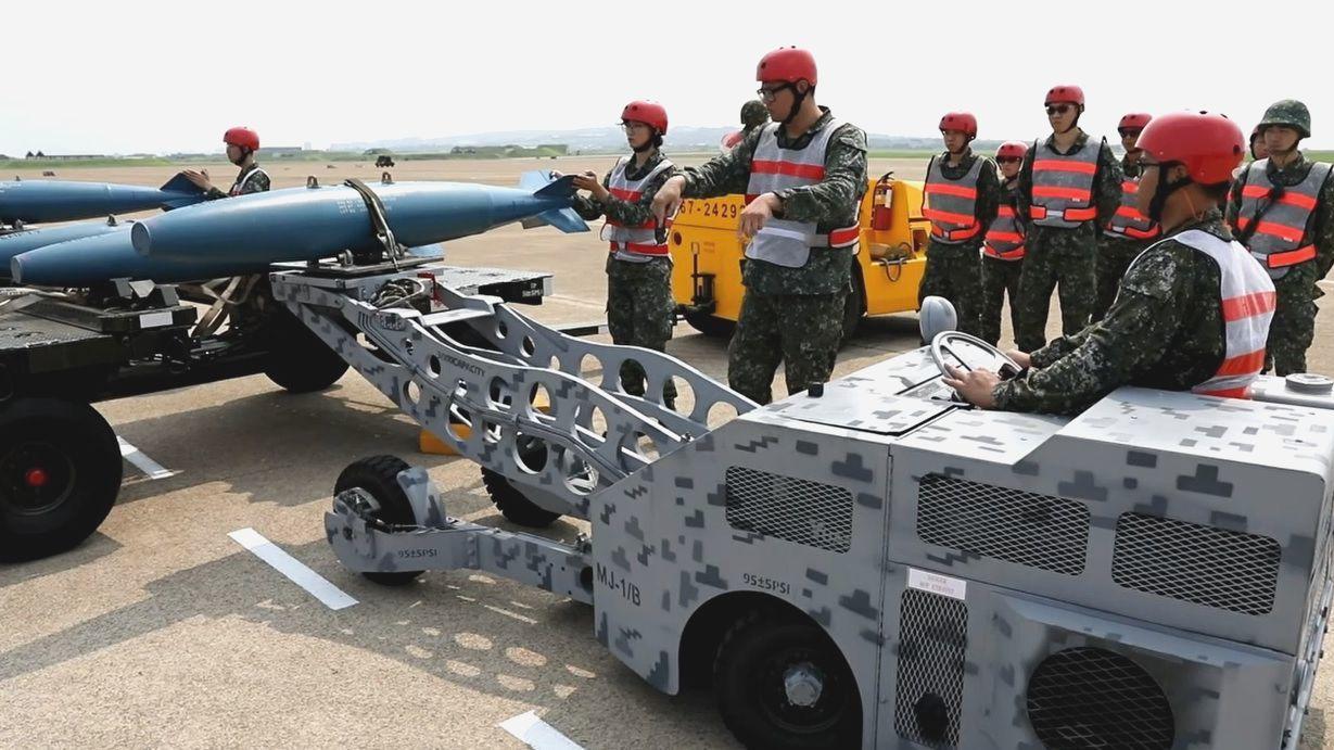 IDF戰機將首度公開展示空對面的轟炸性能,投擲2000磅炸彈,此為示意圖。圖/擷...