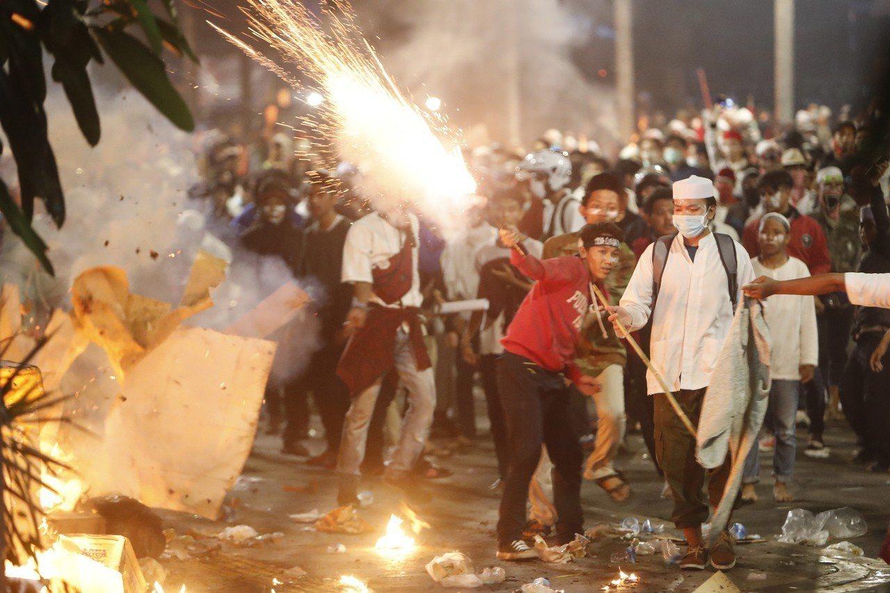 印尼大選落幕後,首都雅加達出現暴亂。 歐新社