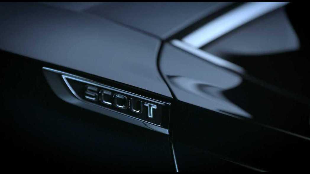 小改款ŠKODA Superb Scout車型的銘牌。 截自ŠKODA影片