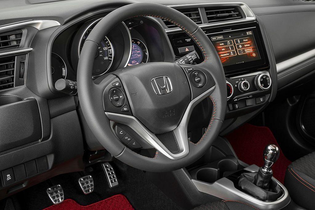 美國汽車媒體數篇手排系統相關報導下來,發現Honda汽車品牌以舊保有穩定的手排市...