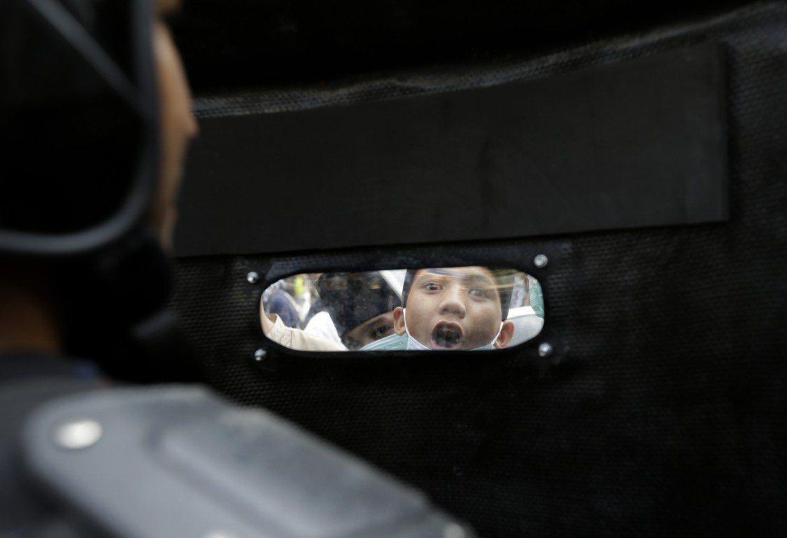 印尼警察總長提托(Tito Karnavian)表示,付錢的「組織真兇」究竟是誰...
