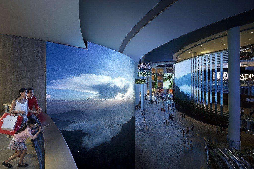 在雲頂高原的雲天大道SkyAvenue購物和用餐。圖/馬來西亞觀光局提供