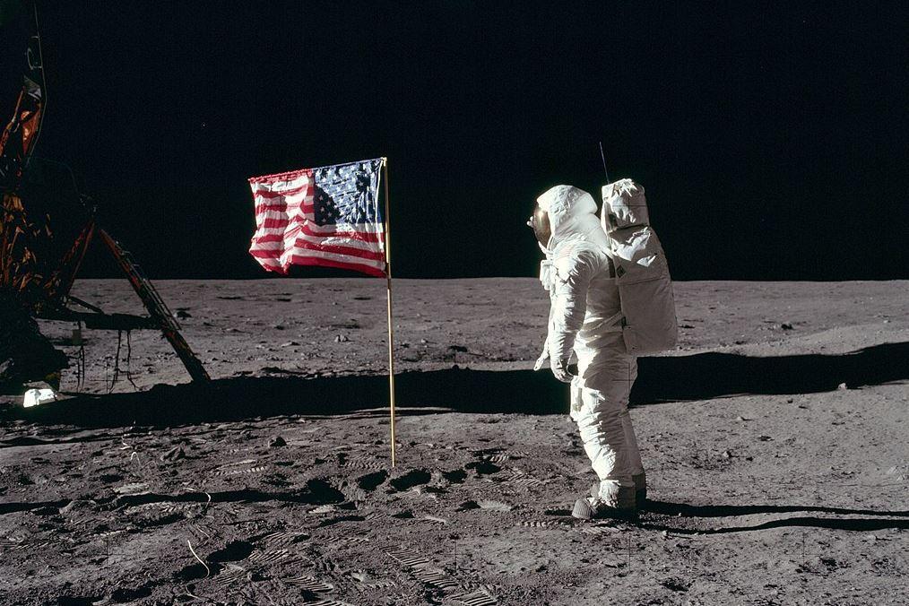 2019年恰好是「阿波羅11號」登月50年紀念,以這場競賽為起點,月球殖民爭霸的...