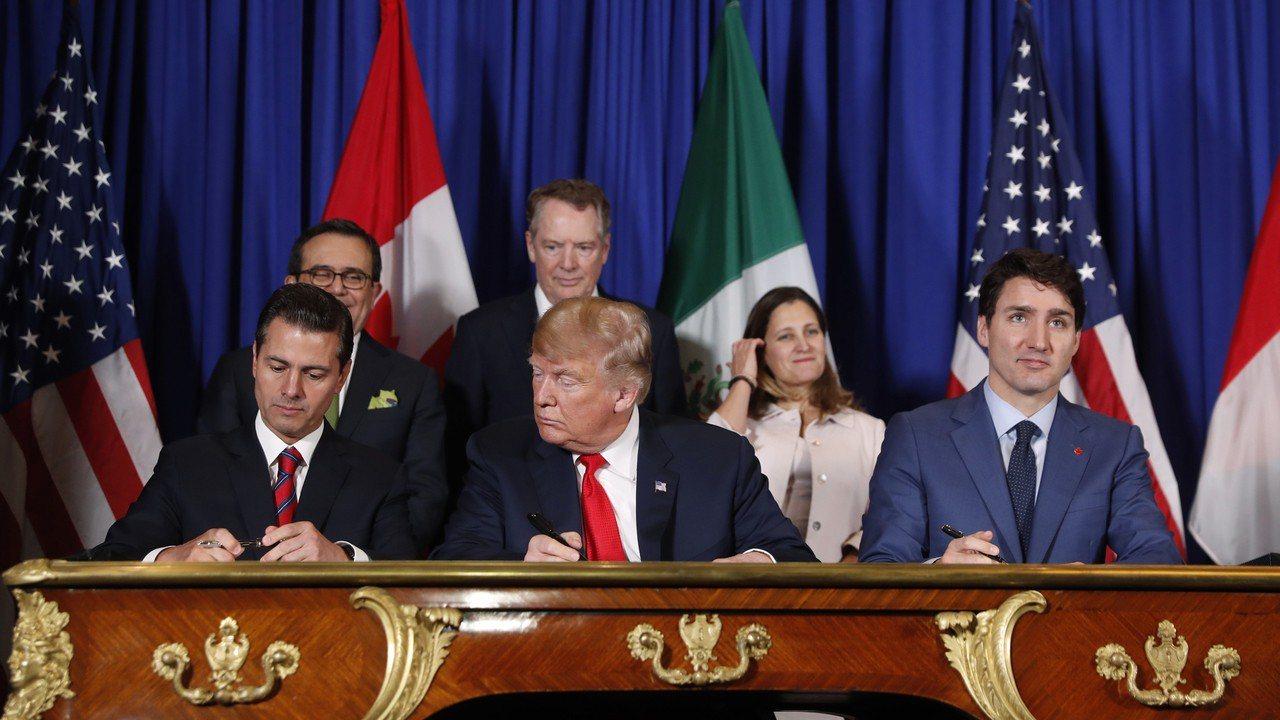 美國、墨西哥和加拿大於去年9月30日簽署取代北美自由貿易協定的新版美墨加協定。美...
