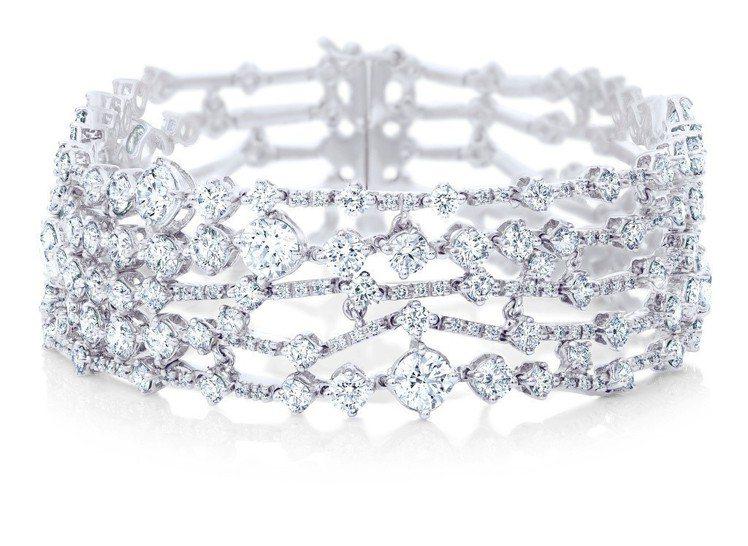 De Beers Arpeggia五層鑽石手環,鑽石總重15.99克拉,價格店洽...