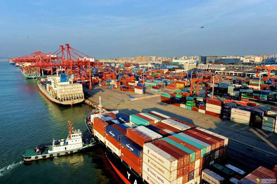 大陸商務部公告,去年對外服務貿易呈現逆差,約2,000多億美元,對美國也是逆差。...