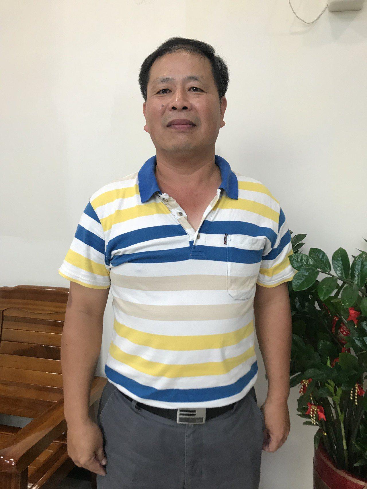 嘉義市警察局刑警大隊偵四隊小隊長吳文生從警28年,去年偵破多起毒品、詐欺和槍砲彈...