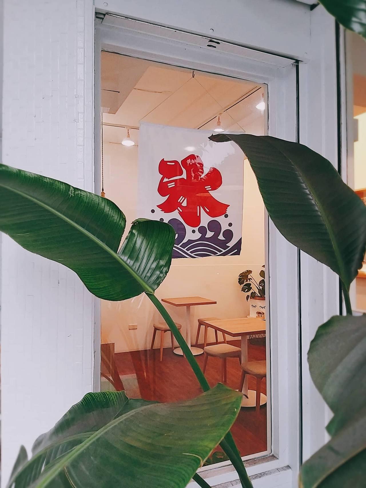 「小丘chiu」走清新白色風。圖/小丘chiu 提供