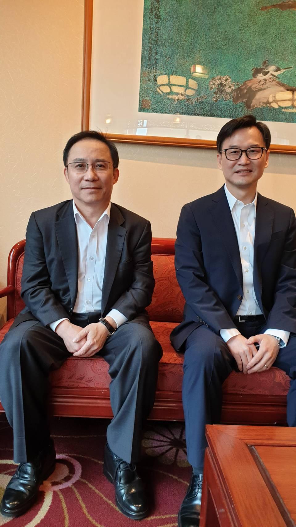 在永大擁有超過27年資歷,具有研發、中國經營實力的永大總經理蔡尚育(右)指出,接...
