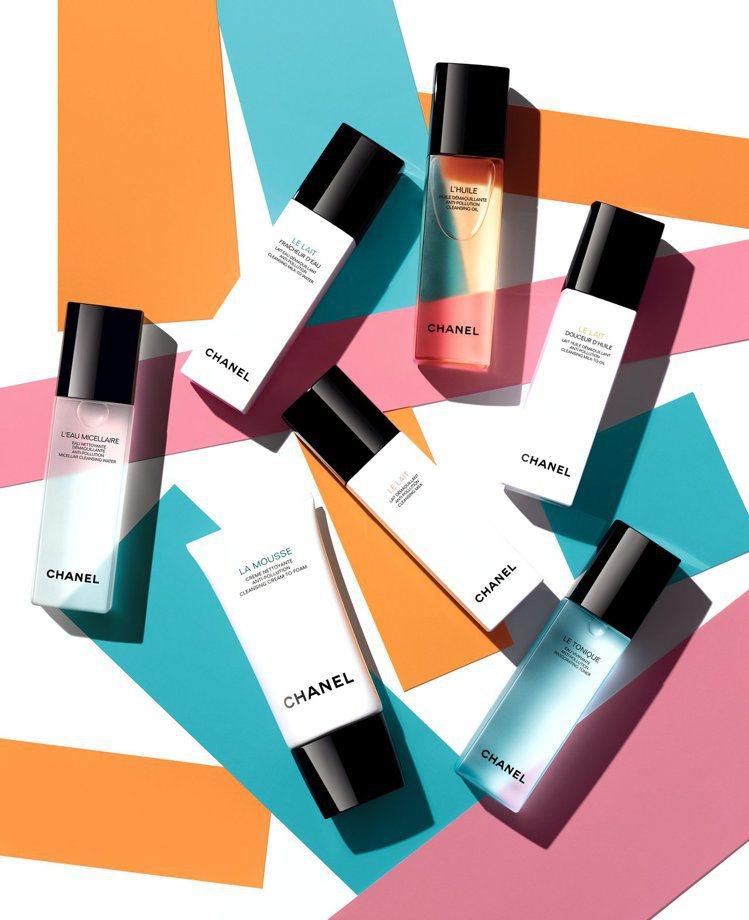 香奈兒專為女性設計的深海精萃潔顏系列,讓妳輕鬆卸妝,一瓶搞定。圖/香奈兒提供