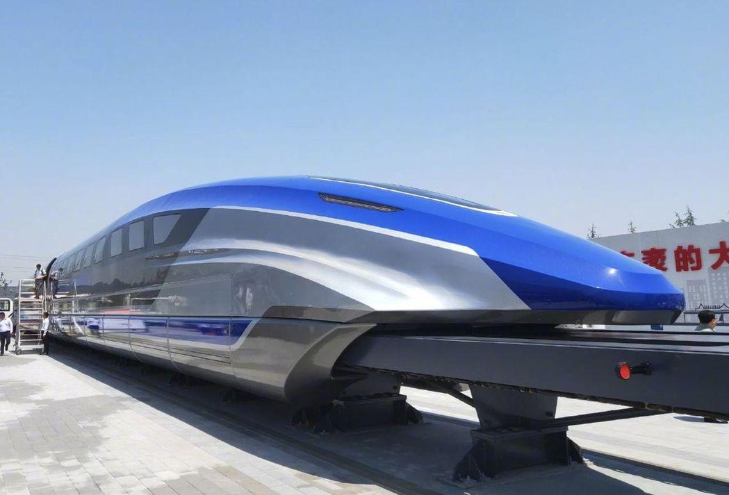 大陸高速磁浮列車外觀。(新華視點)