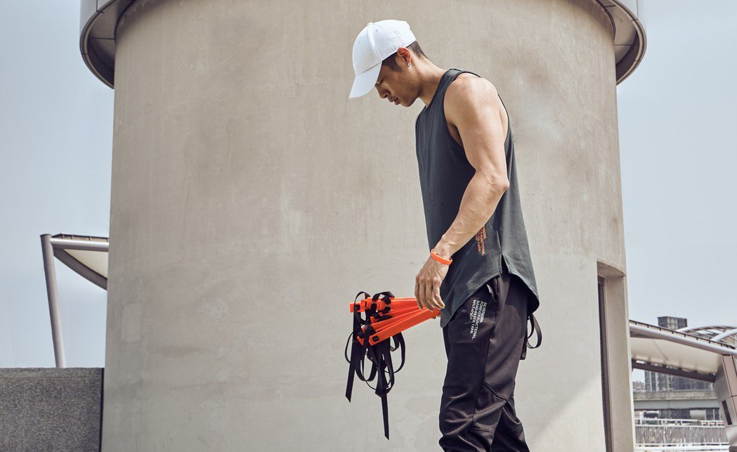 Evolete攜手技術完備且結構完整的台灣紡織產業,創立MIT健身訓練服飾品牌。...