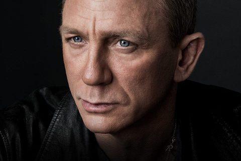 片商今天指出,飾演007情報員詹姆士龐德的英國演員丹尼爾克雷格在拍攝最新一部007系列電影時,不慎受傷,將接受腳踝手術,不過電影仍會如期於2020年4月上映。路透社報導,龐德(James Bond)...