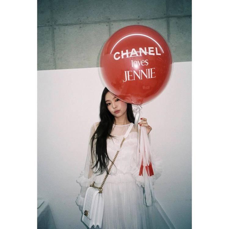 Jennie有人間香奈兒的稱號。圖/擷自instagram