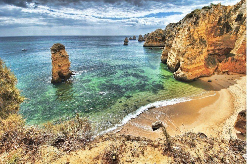 2018歐洲最棒的海岸──葡葡牙阿爾加維卡沃埃羅海灘。典藏旅遊/提供