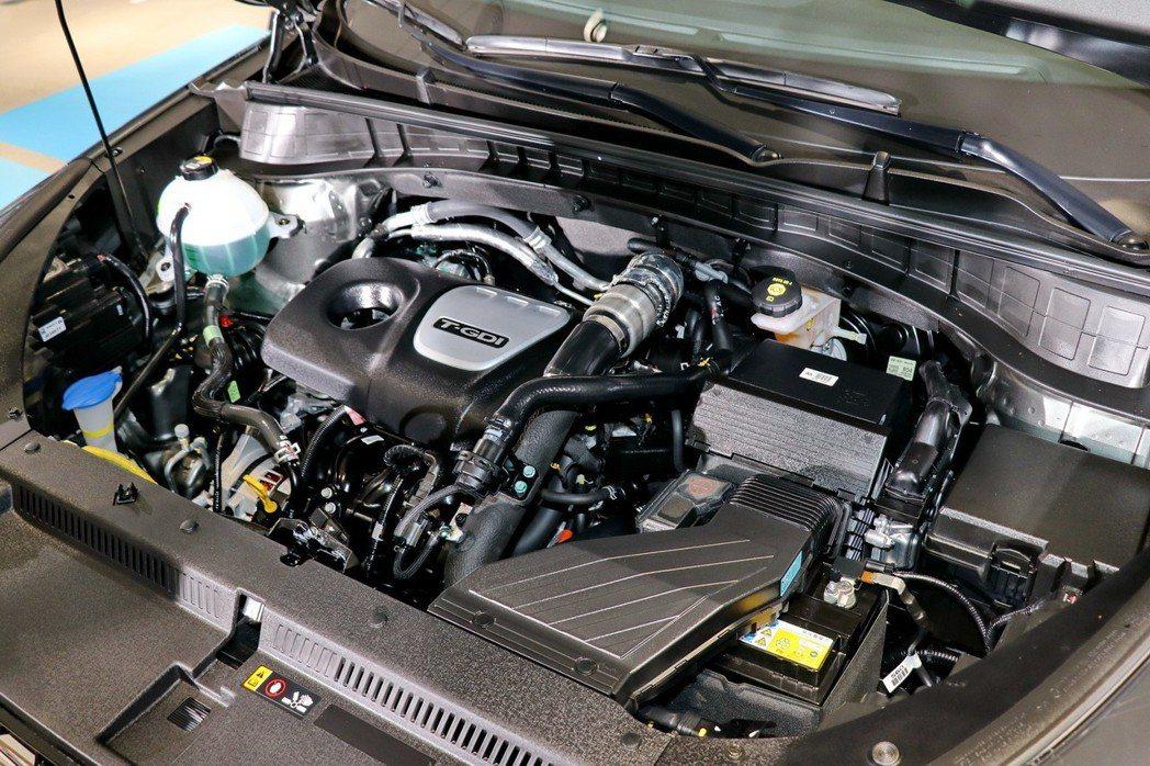 汽油部分這次採用排氣量1.6升渦輪四缸引擎,結合缸內直噴與渦輪增壓科技,造就出1...