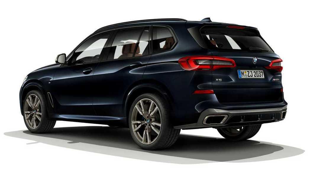 全新BMW X5 M50i。 摘自BMW