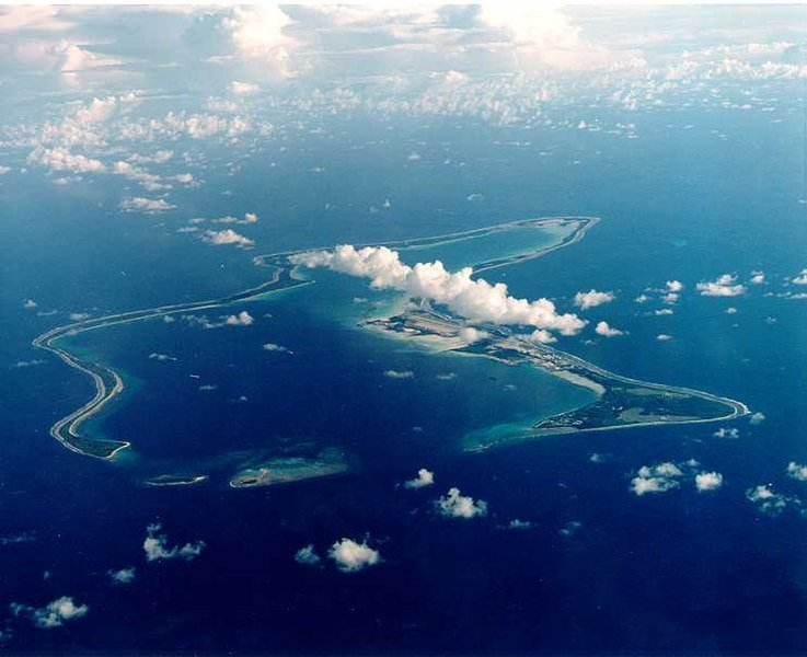 聯合國大會22日通過決議,要求英國將齊戈斯島還給模里西斯,不過英、美都以防範恐怖...