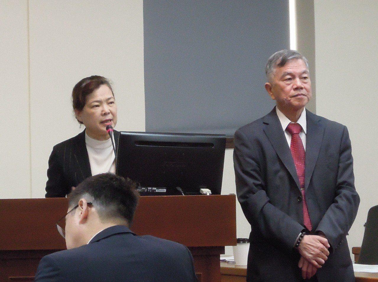 經濟部政務次長王美花(左)今日在立法院證實,華為在台灣的總代理商訊崴技術有限公司...