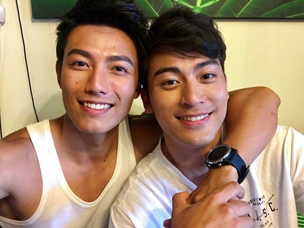 賴東賢(左)、徐愷演出「暗了,亮了」彩虹版MV。圖/星耀藝能提供