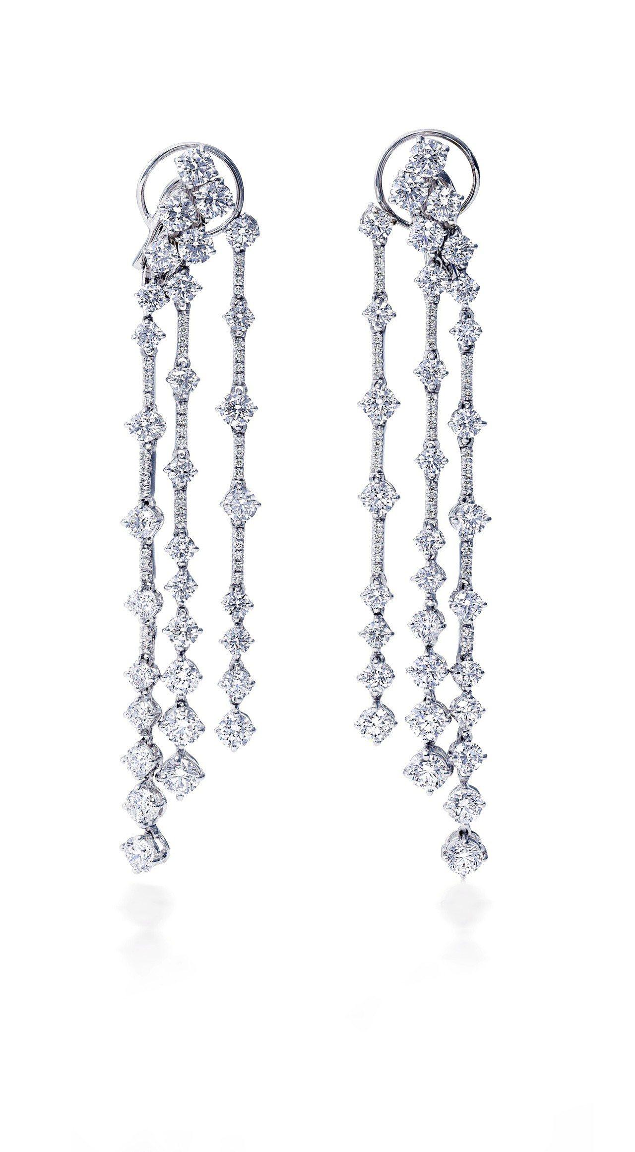 De Beers Arpeggia三層鑽石耳環,鑽石總重9.16克拉,約159萬...