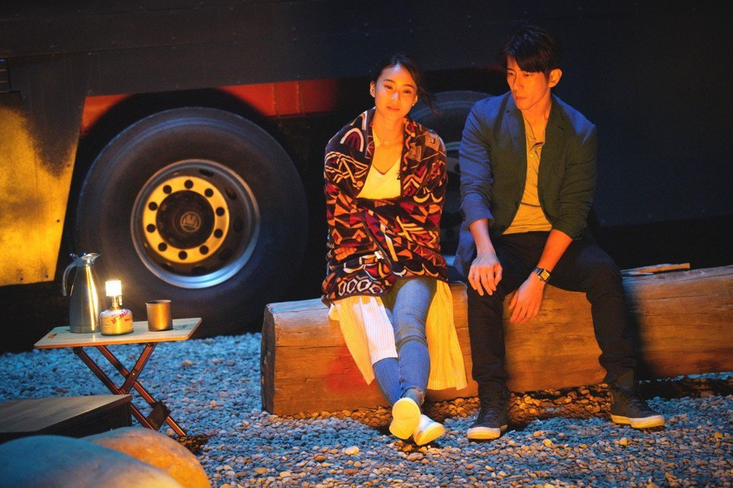 修杰楷(右)鍾瑶首度攜手「浮士德遊戲2」 圖/福斯提供