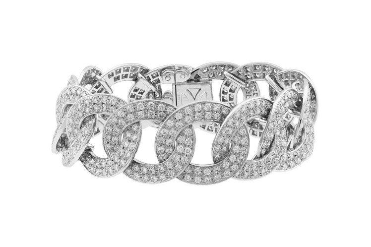 梵克雅寶Olympia手鍊,白K金鑲嵌鑽石,價格店洽。圖/梵克雅寶提供
