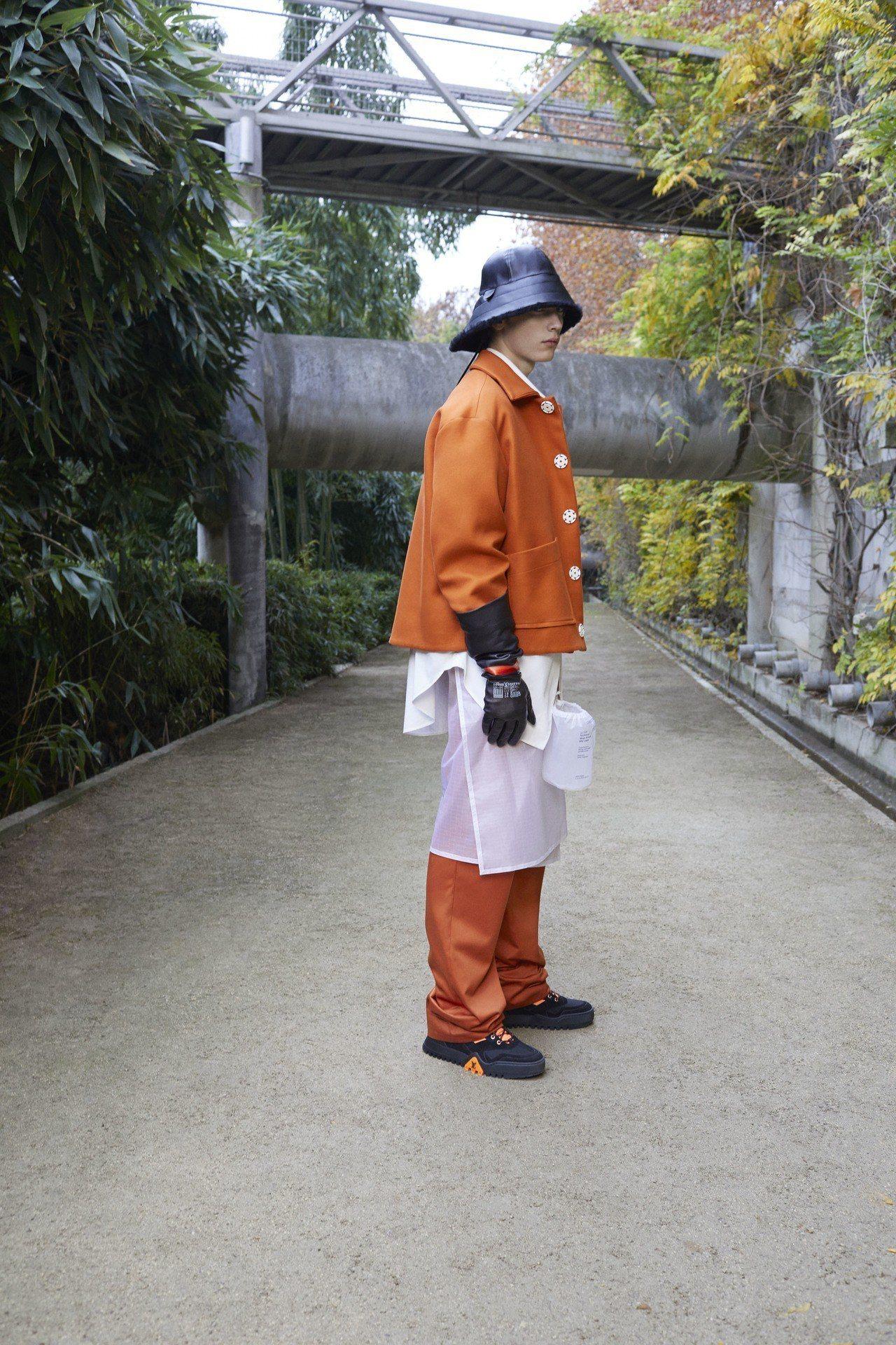 路易威登早秋運動鞋以銀、白色和紫色、棕色、藍色等色系為主。圖/LV提供