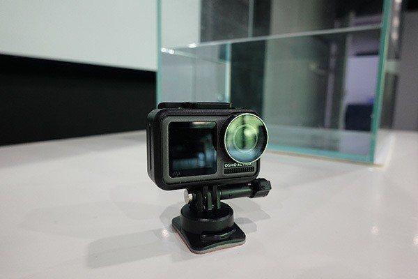 大疆創新近日推出的新一代相機—靈眸運動相機。(照片取自澎湃新聞)