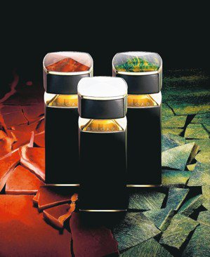 BVLGARI寶格麗珠寶世家奢華香氛系列推出3款全新男士香氛,皆為100ml,售...