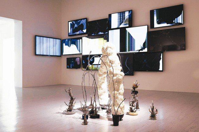 李明學《在放鬆的多數的陽光中》 圖/台北市立美術館提供