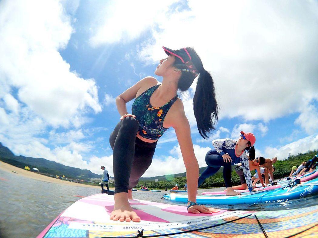 瑜珈日SUP。  夏都沙灘酒店 提供