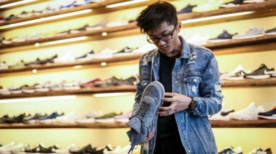 中美貿易戰:百家鞋商發「災難」警告,,美中關係或已質變。 葉玉鏡