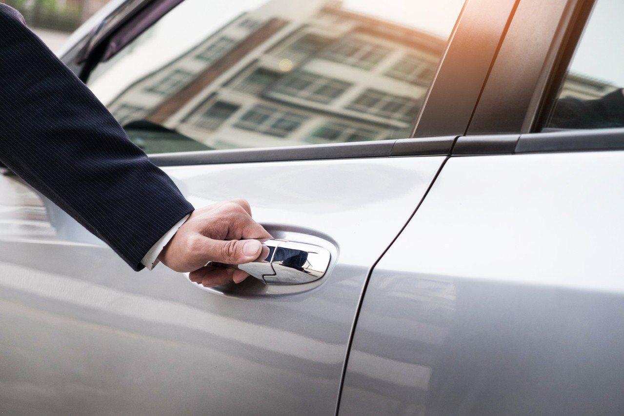 土豪哥聘用私人司機,開出週薪5萬的天價。圖片來源:Ingimage