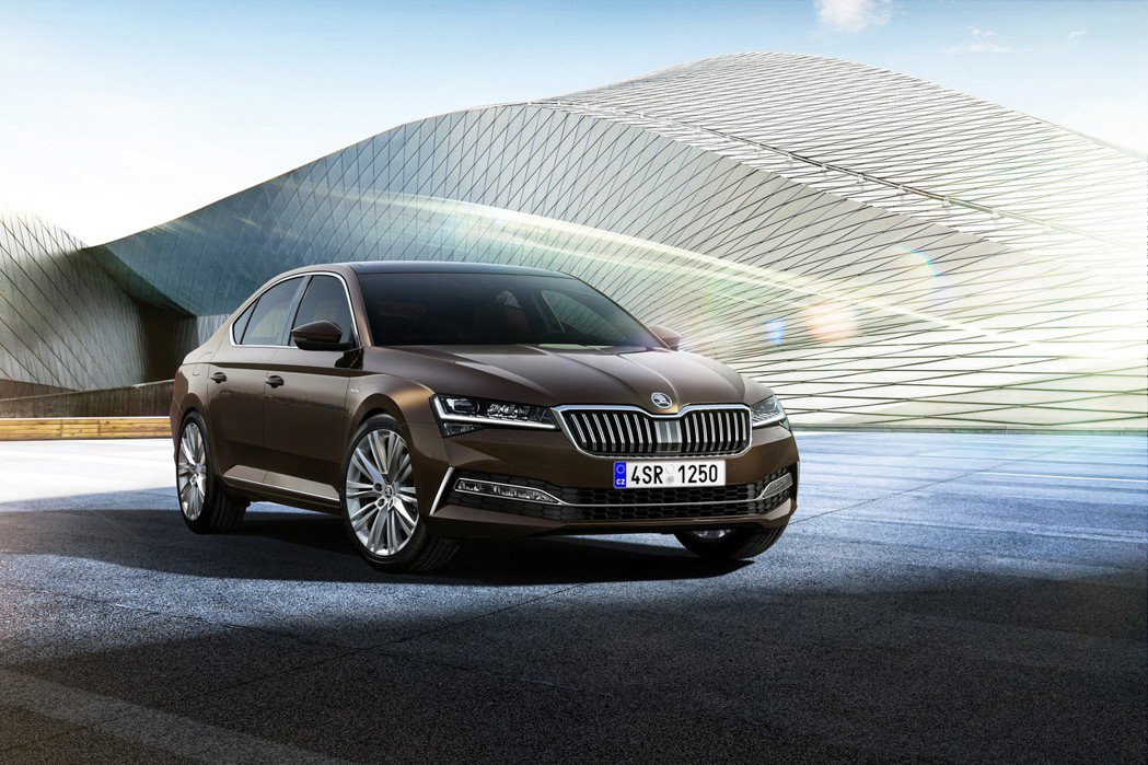 小改款ŠKODA Superb,圖為L&K車型。 摘自ŠKODA