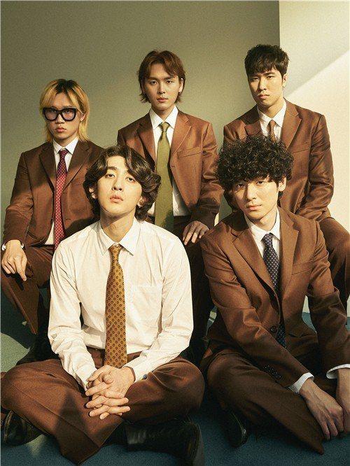 韓團樂團Jannabi。圖/Naver