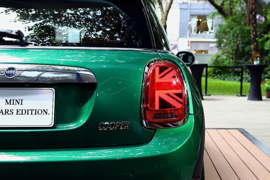 Mini 60 Years Edition當然也將Union Jack英國旗式樣...