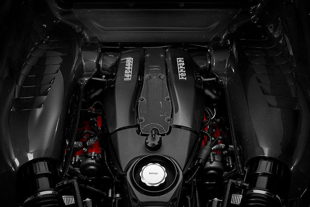 Ferrari研發的3.9L Biturbo V8雙渦輪增壓引擎,不僅連續4年獲...