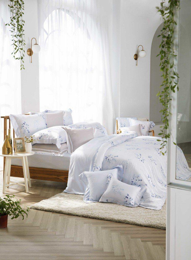 東妮寢飾葉影沉香100%萊賽爾纖維印花床組、7,980元。圖/東妮提供