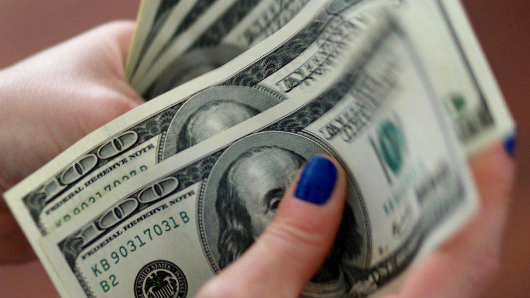 美國商務部23日說,準備對低估其貨幣價值的國家實施平衡稅。 路透