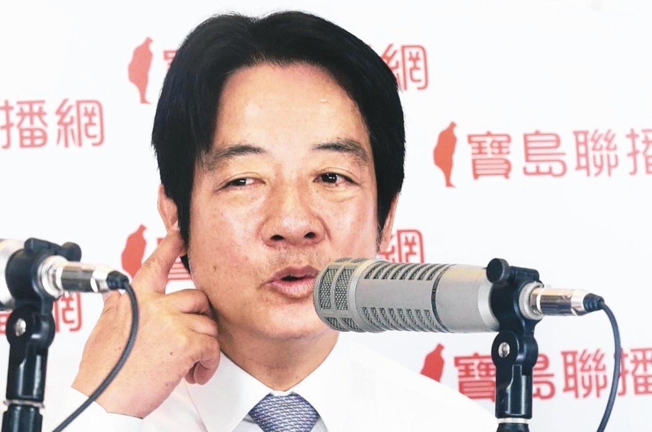 行政院前院長賴清德接受廣播專訪。 記者林俊良/攝影